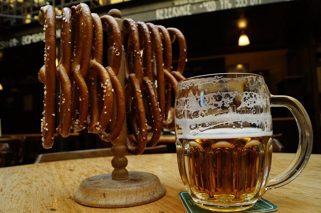 Bere birra a praga u fleku terme e birrifici - Bagno birra praga ...